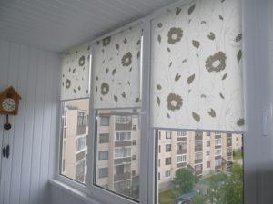 Установка рулонных штор на пластиковые окна в Подольске